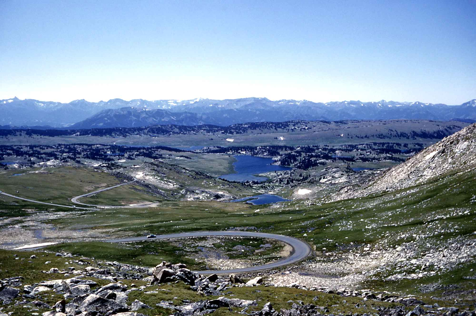 Beartooth Highway, Montana & Wyoming via By R Robinson [Public domain], via Wikimedia Commons