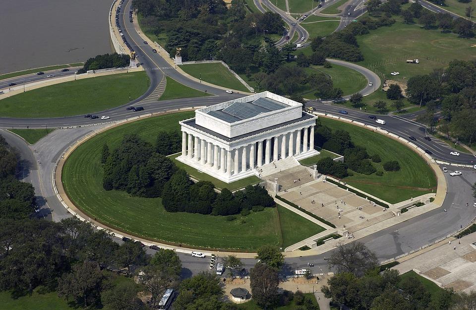 3. Lincoln Memorial - Washington DC, USA