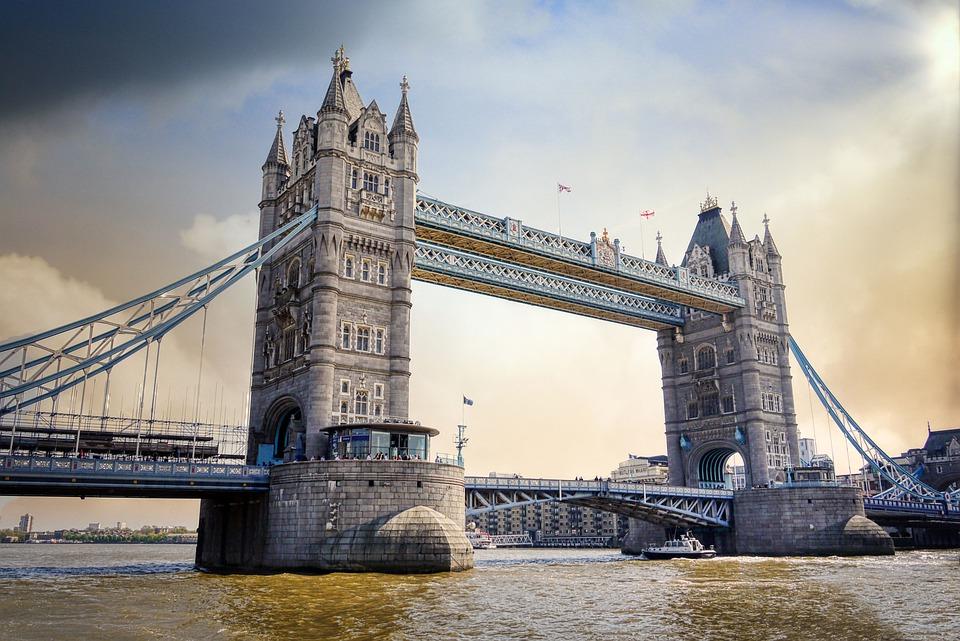 5. London, UK
