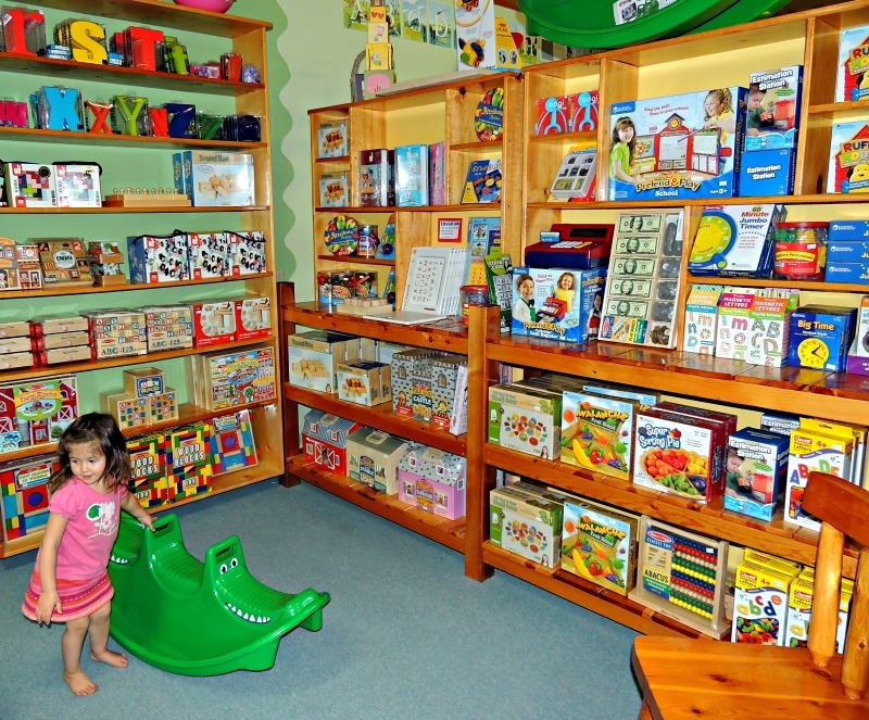 7. Lark Toys, Kellog (USA)