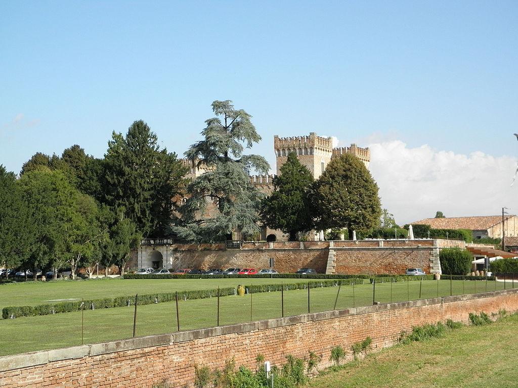 8. Relais Castello Bevilacqua - Verona, Italy