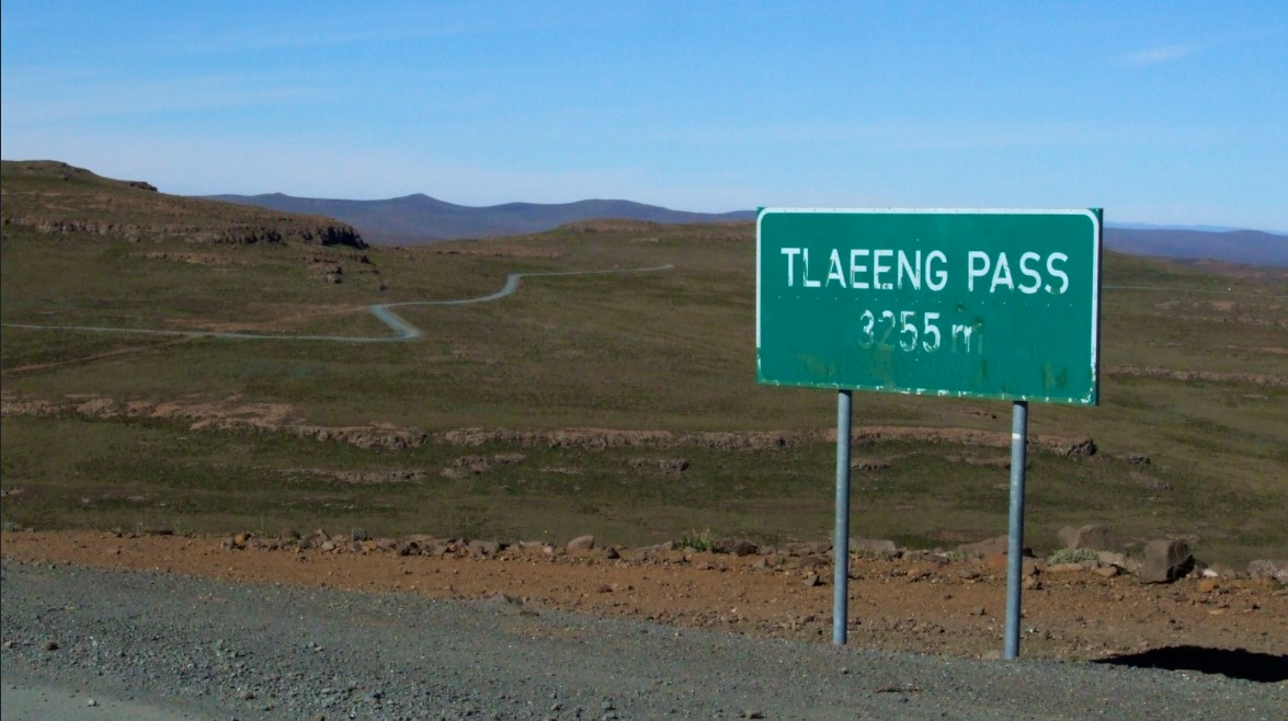 Africa - Tlaeng Pass, 3.251 meters