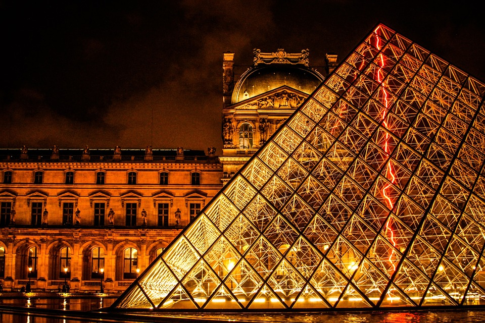 1. Louvre, Paris