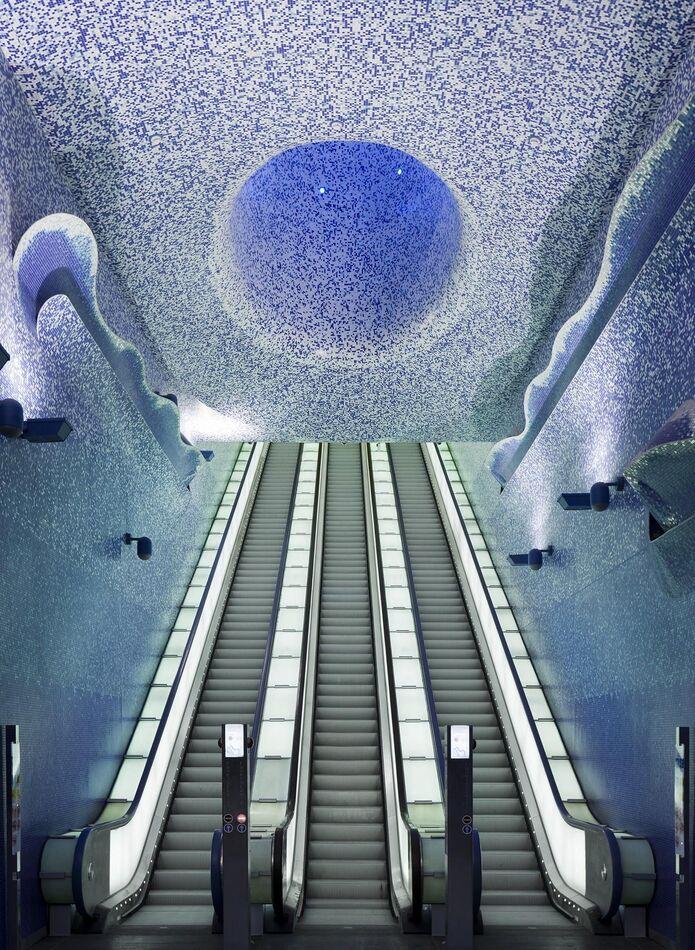1. Toledo Station, Naples