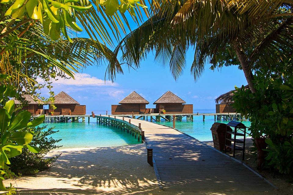 10. Veligandu Island Resort - Maldives