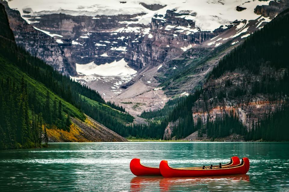 16. Lake Louise - Canada