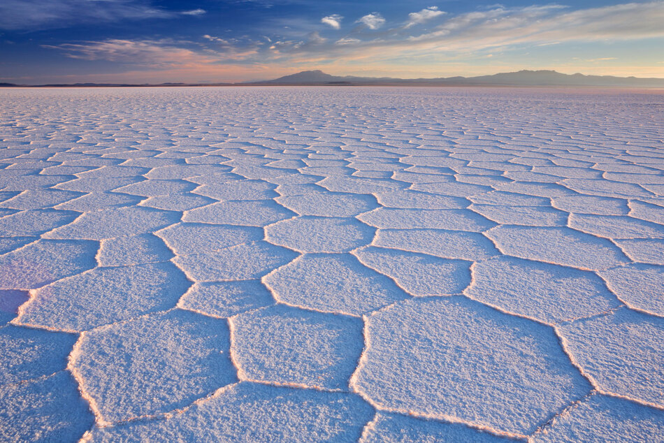 20. Uyuni Salt Flat - 10.582 km²