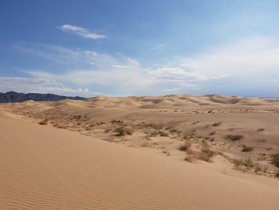 5. Gobi Desert - 1.300.000 km2