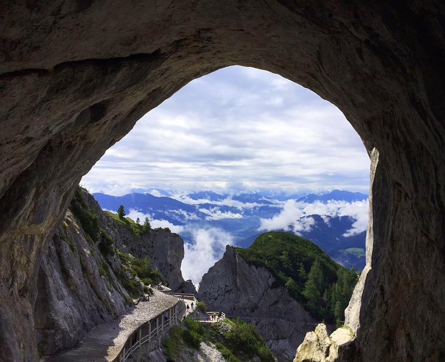 13. Eisriesenwelt - Austria