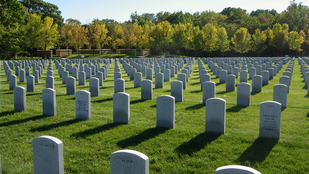 3. Abraham Lincoln National Cemetery