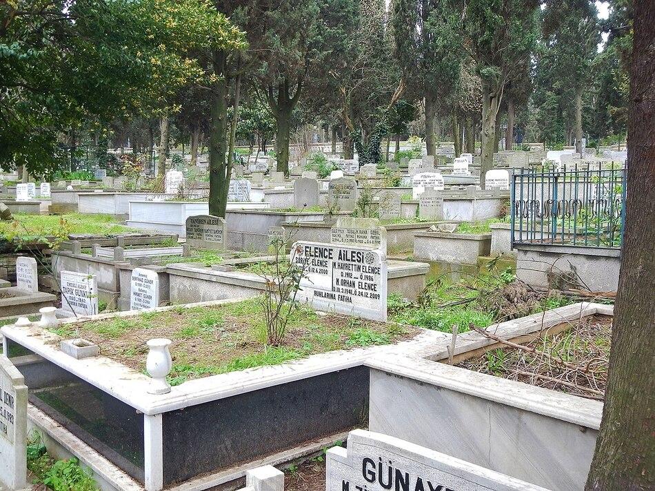5. Karacaahmet Cemetery