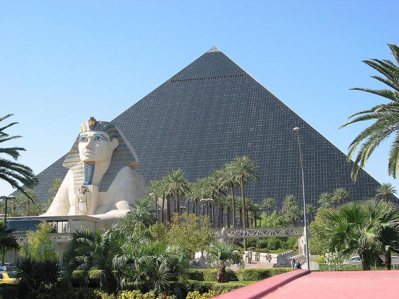 6. Luxor Hotel