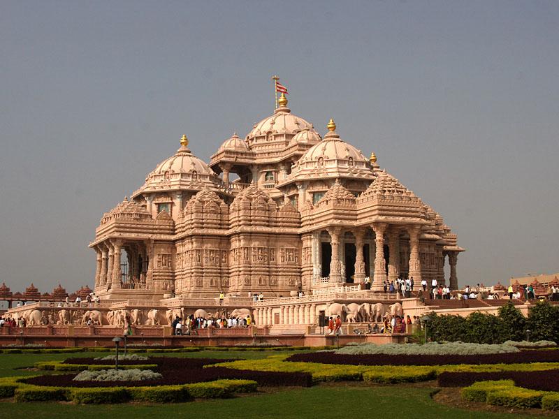 7. Swaminarayan Akshardham Temple - New Delhi, India