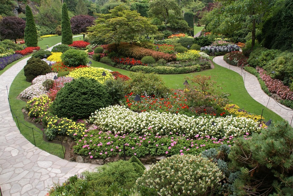 9. Butchart Gardens - Brentwood Bay, Canada