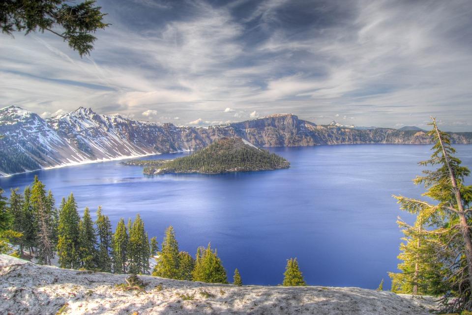 9. Crater Lake, Oregon (USA)