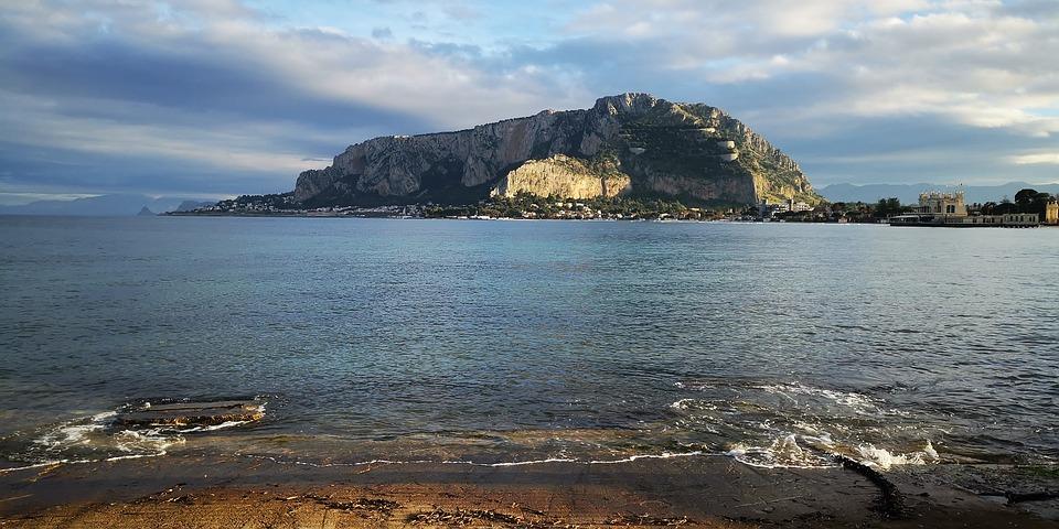 Mondello Beach, Mondelo