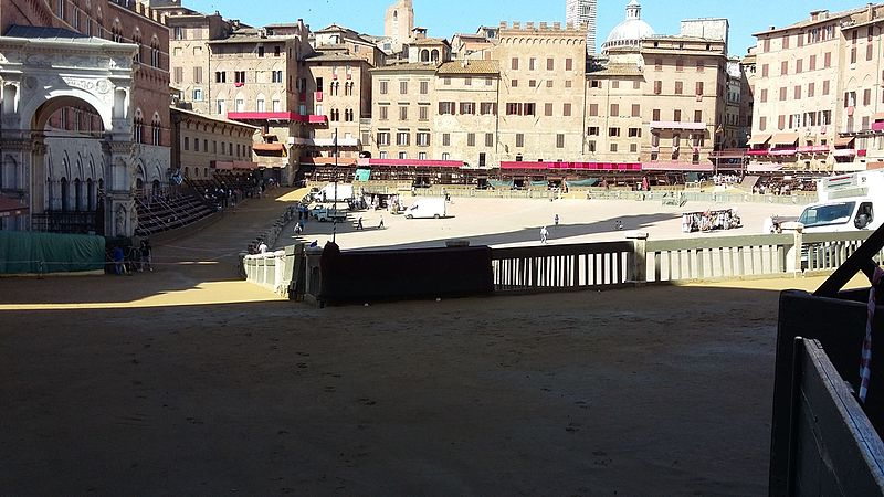 Piazza Campo del Palio, Asti