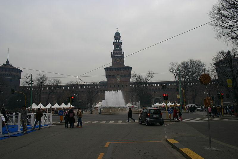 Piazza Castello, Milan