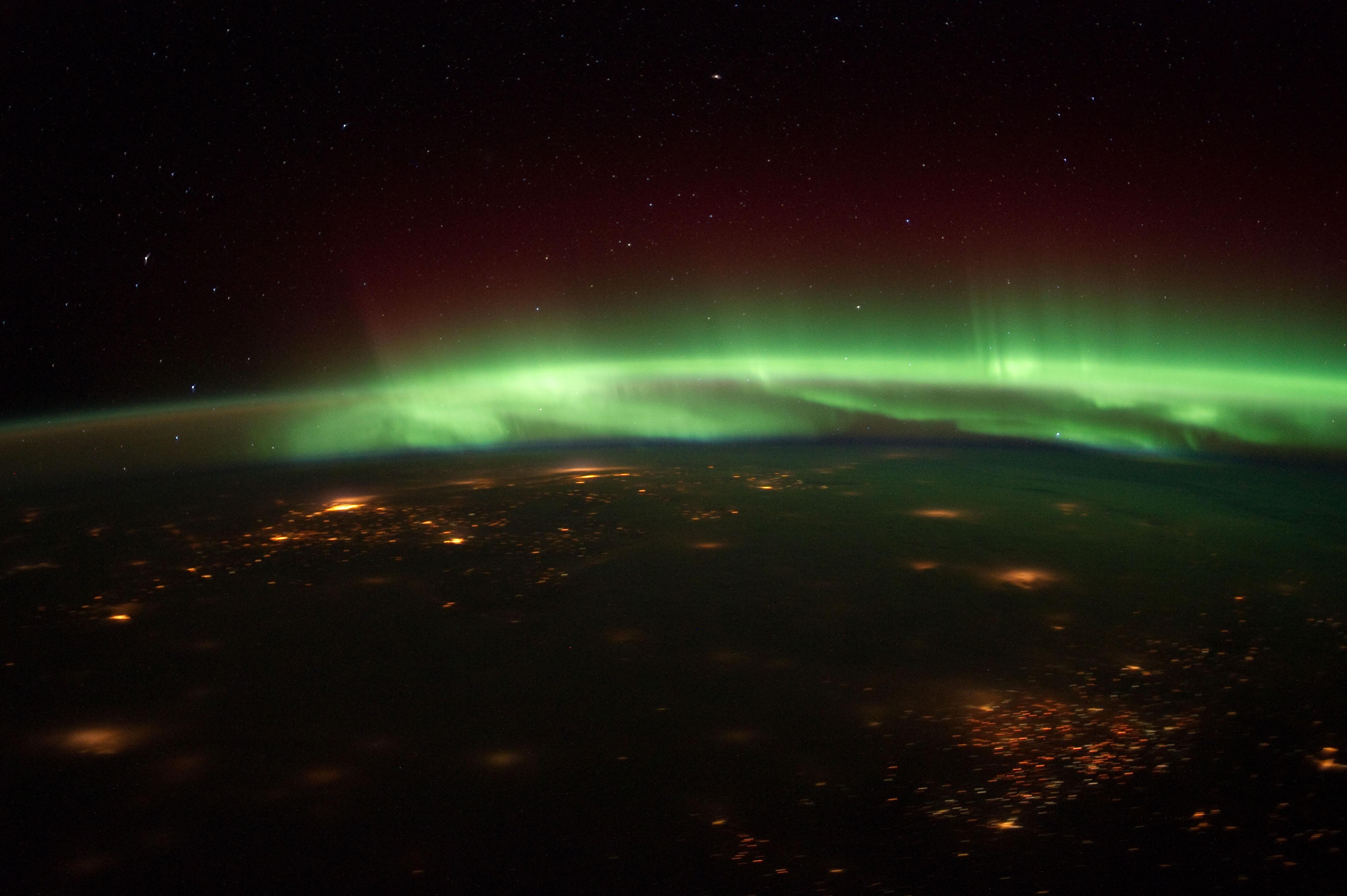 5- Polar auroras