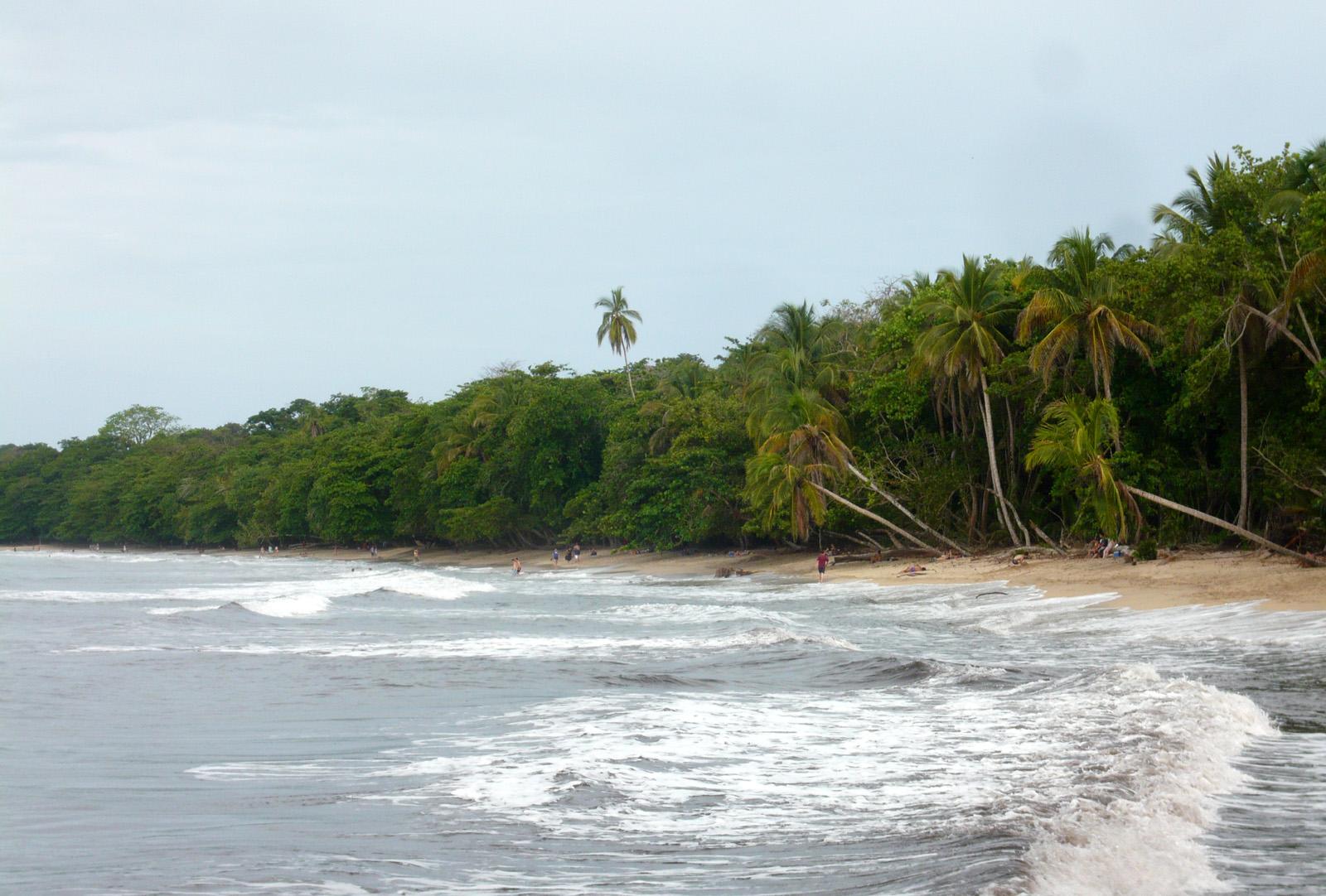 File:Cahuita.jpg - Wikimedia Commons
