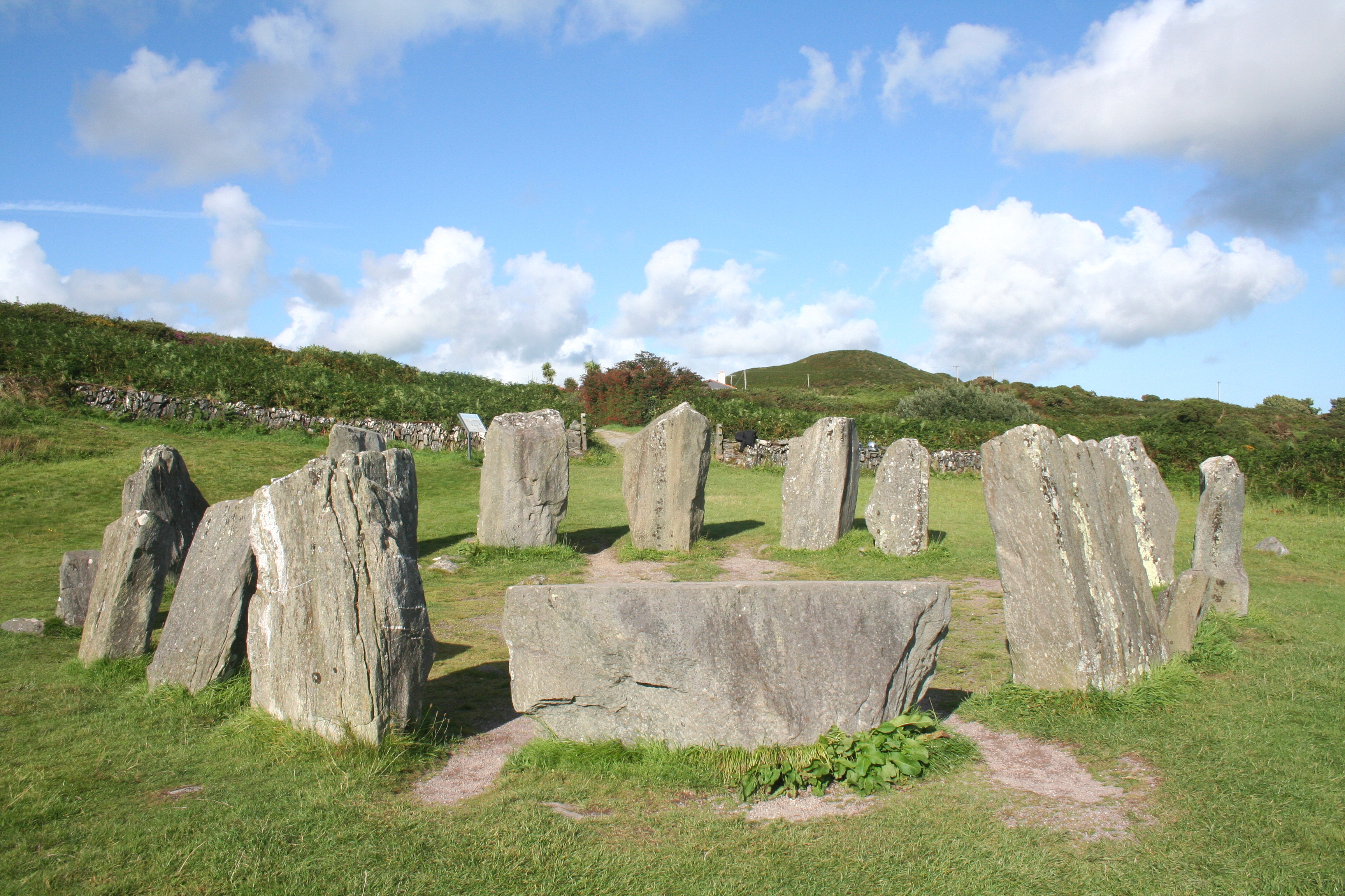 File:Drombeg Stone Circle West.jpg - Wikimedia Commons