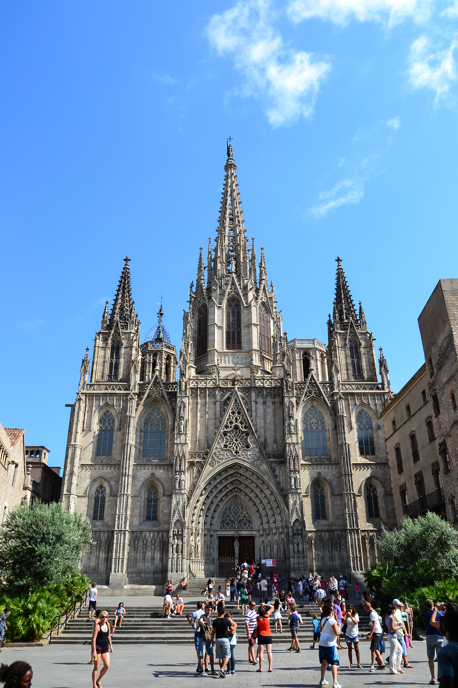 File:Cathedral of the Holy Cross and Saint Eulalia.jpg - Wikimedia Commons