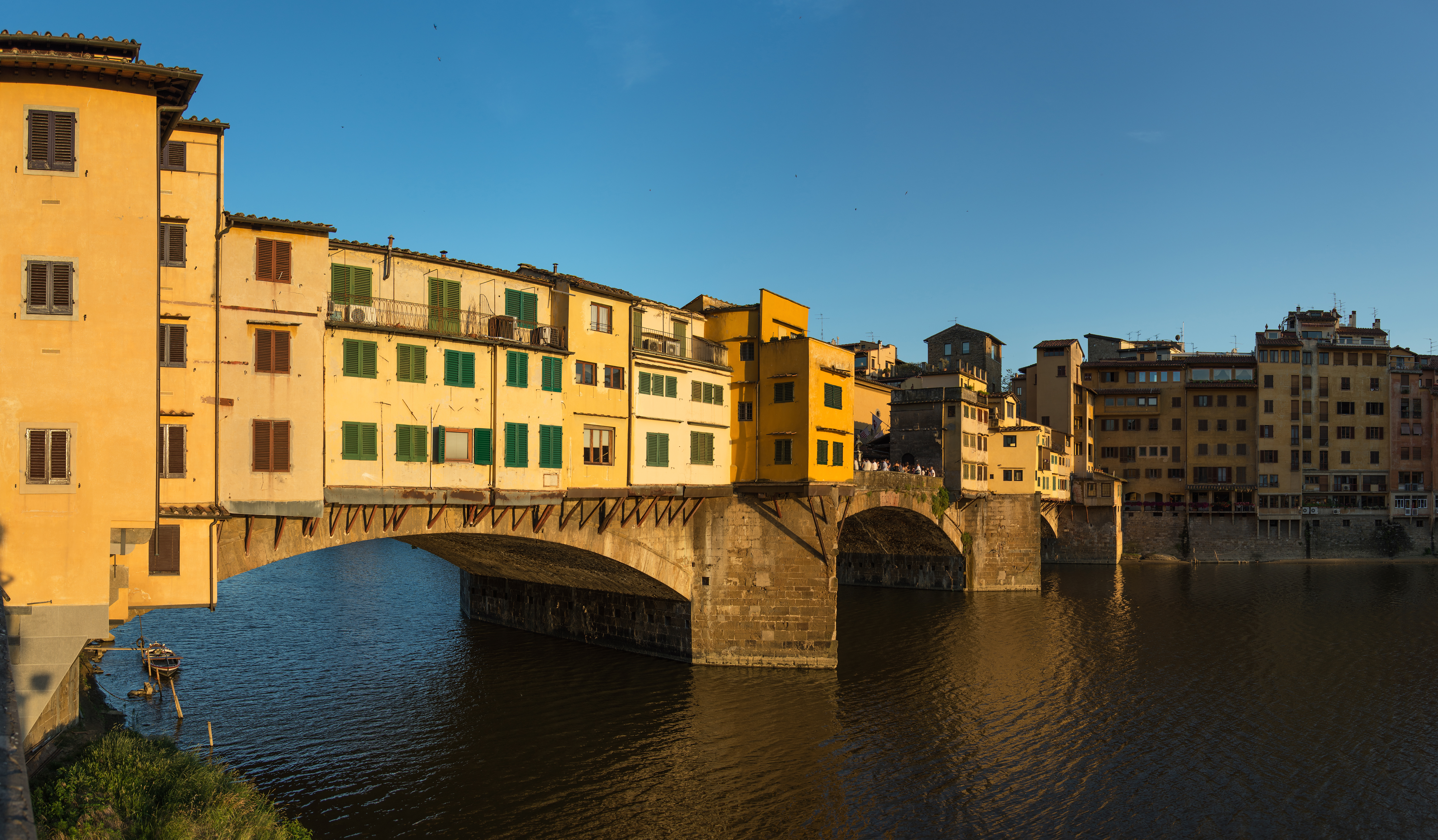 File:Ponte Vecchio - Florence, Italy - June 15, 2013 10.jpg - Wikimedia Commons